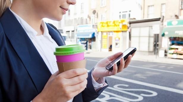 smartphone-use-Smartphonegreece