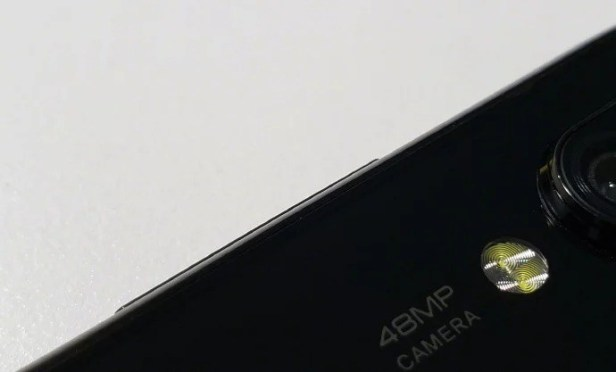 Mystery-Xiaomi-Phone-with-48-megapixel-camera-Smartphonegreece