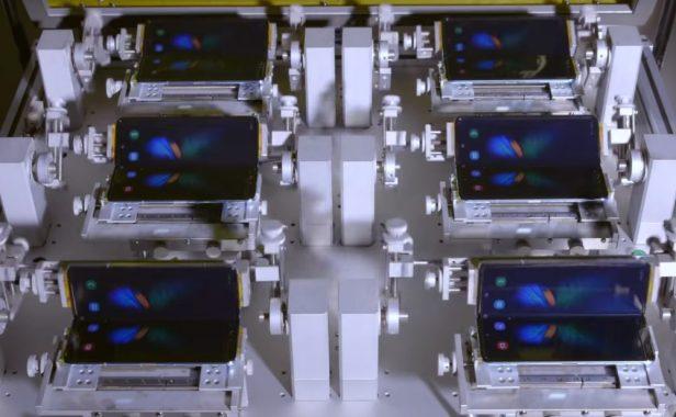Galaxy-Fold-smartphonegreece