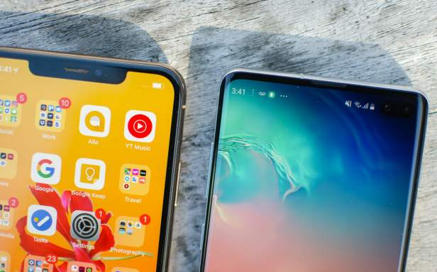 iPhone-XS-Max-vs-Galaxy-S10-Plus-Smartphonegreece