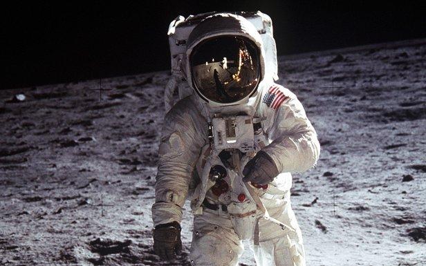 Apollo-11-Smartphonegreece.jpg