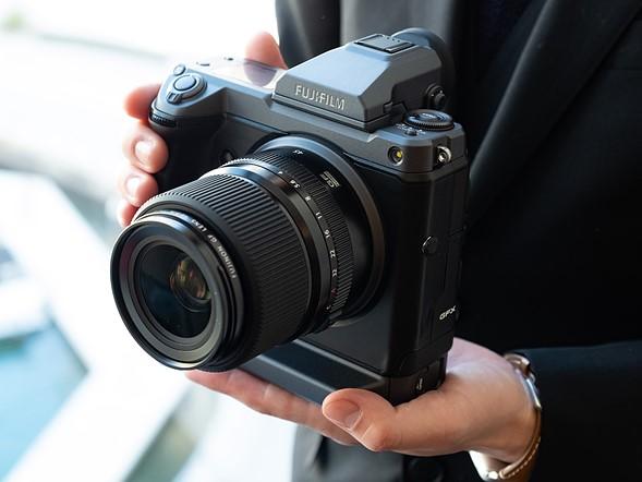Fujifilm-GFX-100-camera-Smartphonegreece (1)