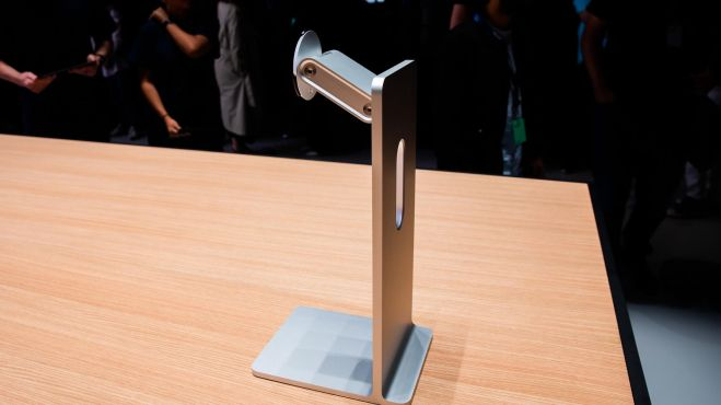 apple-pro-stand-Smartphonegreece.jpg