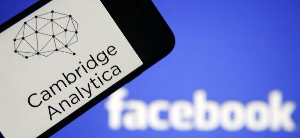 cambridge-analytika-Smartphonegreece