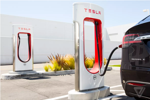 tesla-stations-Smartphonegreece