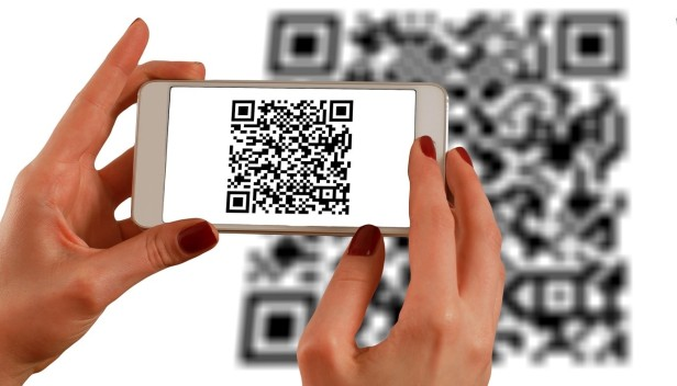 qr-codes-scan-Smartphonegreece