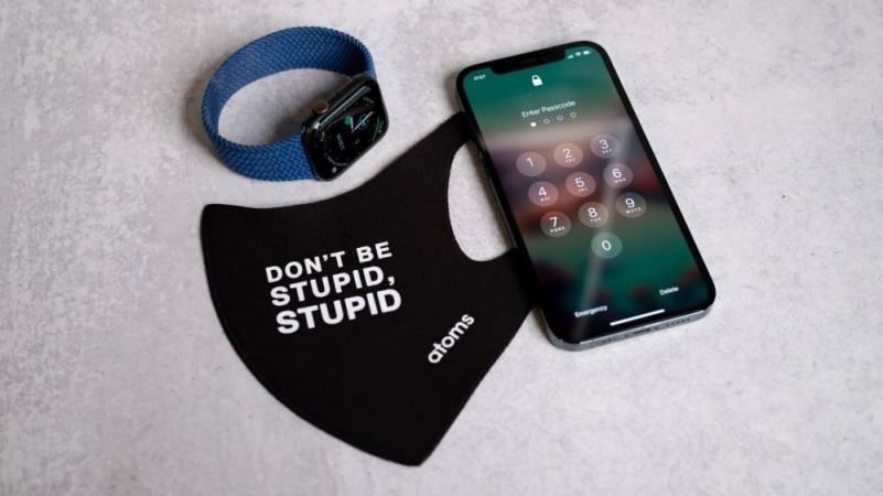 Apple-Face ID -Masks-Apple Watch-Smartphonegreece