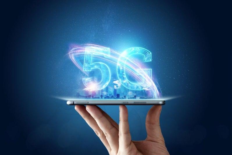 5g-vs-4g-Smartphonegreece (1)