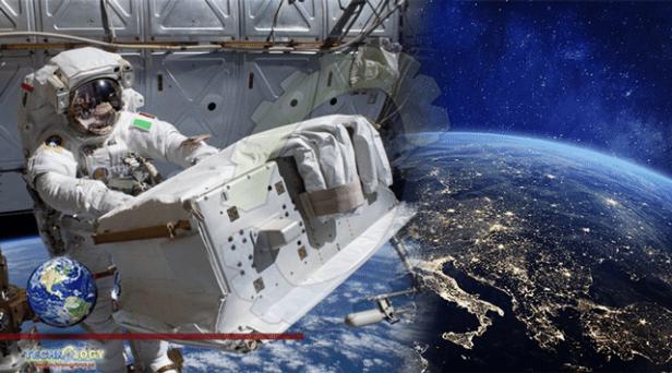 NASA-Astronauts-Spacewalk-Smartphonegreece (1)