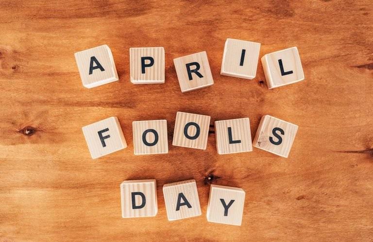 April-Fools-Day-SmartphoneGreece-1