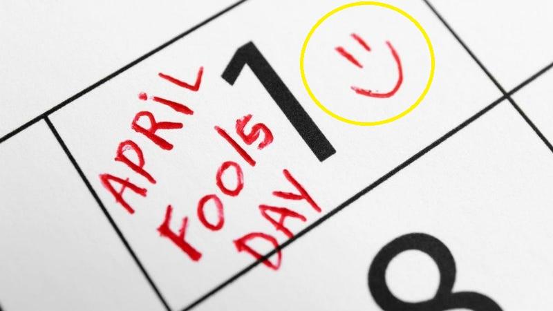 April-Fools-Day-SmartphoneGreece