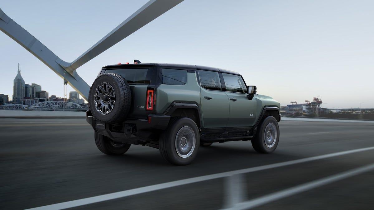 Hummer-SUV-EV-Smartphonegreece (1)