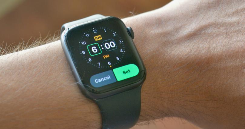 Alarm-Apple-Watch-Smartphonegreece