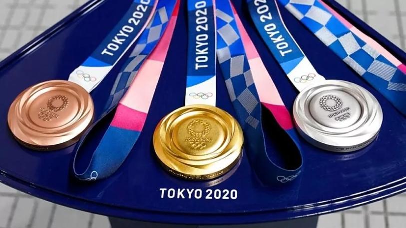 TOKYO-2020-MEDALS-SMARTPHONEGREECE