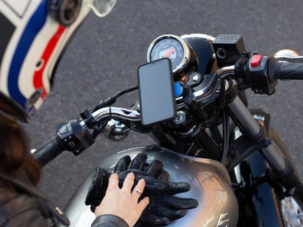 Moto_iPhone-Smartphonegreece